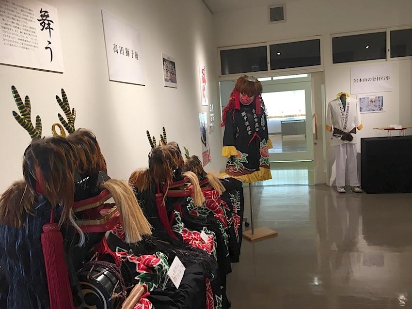 獅子踊りと御山参詣の衣装